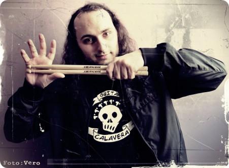 Julio G. Valladares batería de Barbarian Prophecies