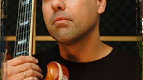Entrevista al guitarrista Manu Herrera, el alquimista de las seis cuerdas
