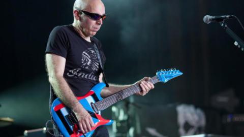 Satriani: «Lo que realmente es importante para un guitarrista»