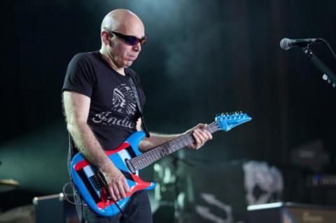 """Satriani: """"Lo que realmente es importante para un guitarrista"""""""