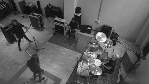 Angelus Apatrida estrenan videoclip de «Farewell», incluida en su nuevo disco Cabaret De La Guillotine