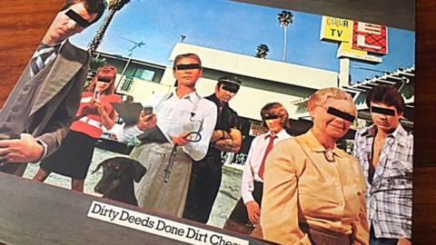 """La excelencia de un clásico que definió un estilo. """"Dirty Deeds Done Dirt Cheap"""" de los AC/DC"""