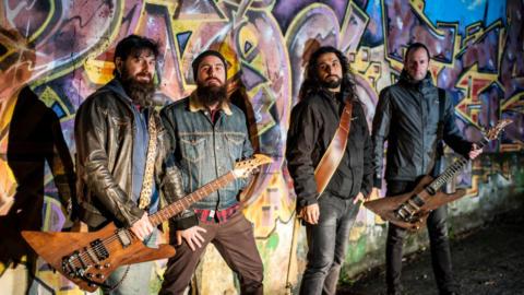 Mano de Piedra sobre su nuevo álbum: «Crudo, aplastante e intenso».