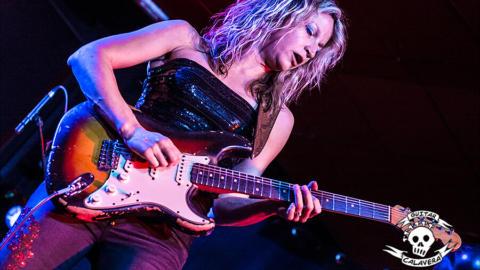 Una noche mágica de blues con Ana Popovic en Vigo