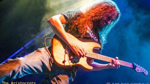 Entrevista a Guthrie Govan «Nadie pudo haber predicho a Jimi Hendrix o Eddie Van Halen» (Castellano / English)