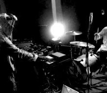 Max & Bull presentan un Live Session de «Discordancer»