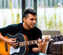 Los beneficios de tocar la guitarra u otro instrumento