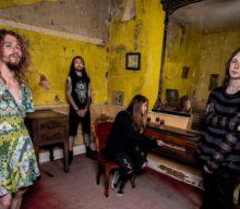 Vendetta Love nos presentan el videoclip de su nuevo single 'Witches & Thieves'
